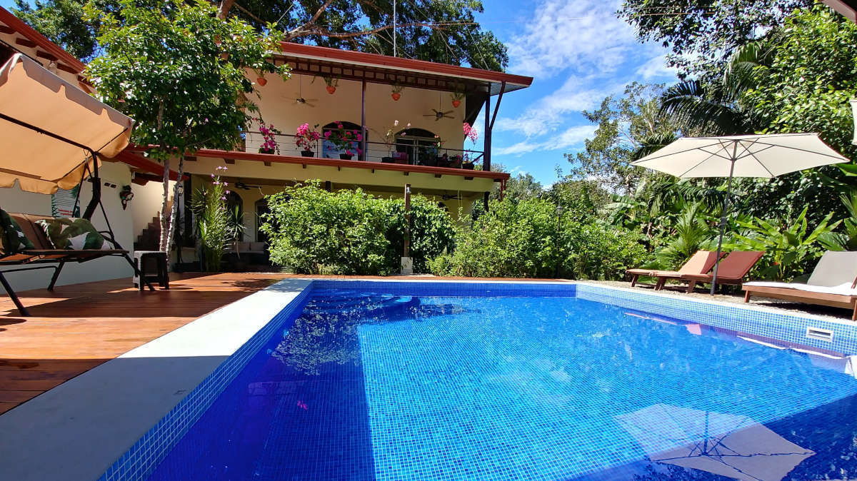 Bed and Breakfast Costa Rica; B&B Jardin de los Monos