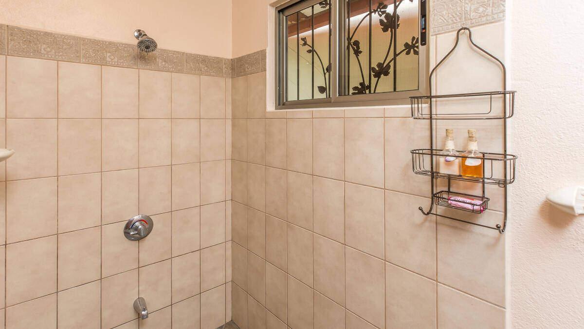 Bathroom Double Room Jardin de los Monos, Hotel in Playa Matapalo Costa Rica
