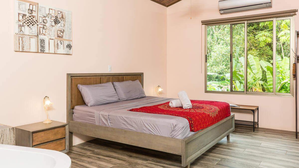 Bedroom Deluxe Suite Jardin de los Monos, Hotel in Matapalo Costa Rica