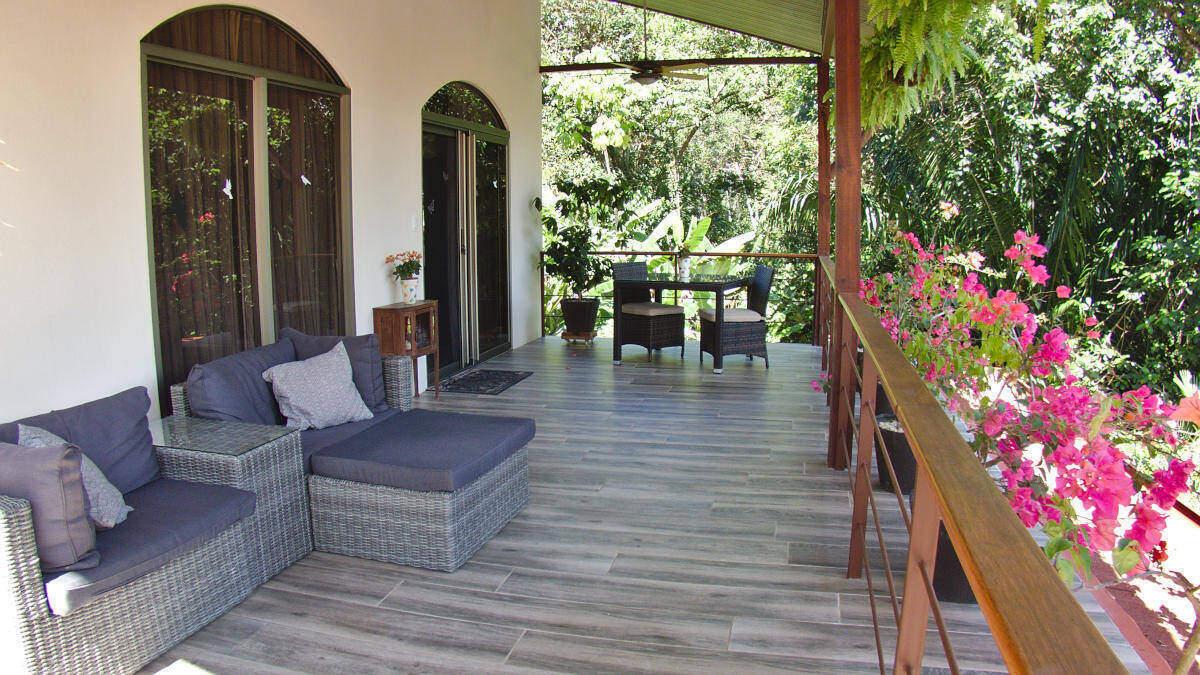 Patio Deluxe Suite at Jardín de los Monos, Costa Rica Bed and Breakfast
