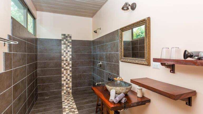 deluxe double room - hotel in playa matapalo