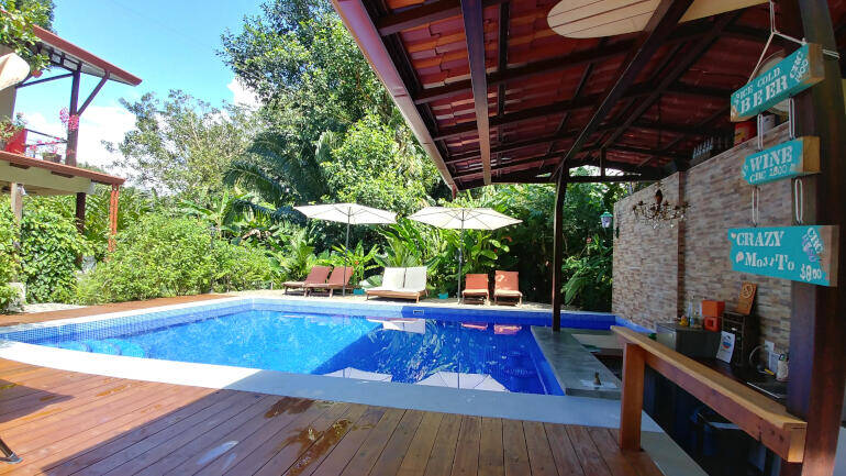 poolbar b&b jardin de los monos