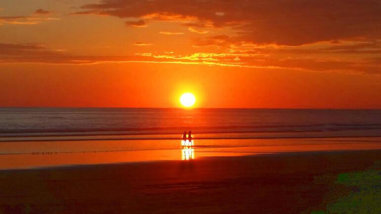le coucher du soleil plage de matapalo costa rica